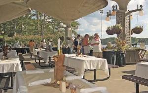 Robin Lake Beach Pavilion
