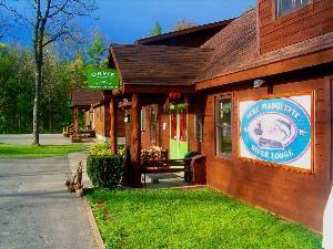 Pere Marquette River Lodge