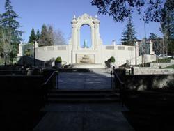 Exedra Plaza