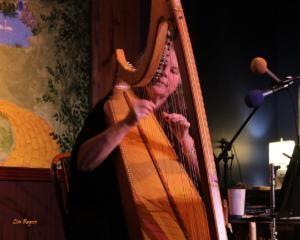 De Luna Harps