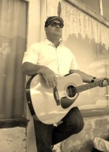 John Flynt  Singer-Guitarist