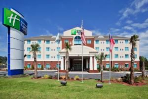 Holiday Inn Express & Suites Atlanta-Conyers