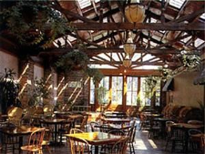 Apple Annie's & Courtyard