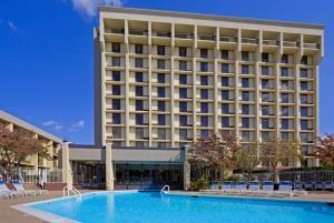 Crowne Plaza Hotel Somerset-Bridgewater