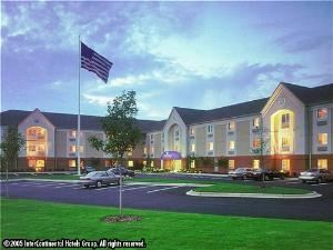 Candlewood Suites Wichita-Northeast