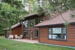 Pine Cone Lodge