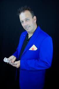 Chris Yuill - Comedy Magician - Victoria