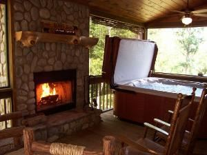 Luxury Blue Ridge Cabin Accommodations