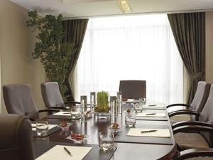 Lunt Boardroom