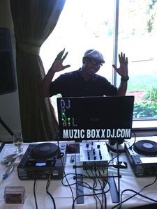 Muzic Boxx DJ Service