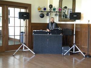 soundbiz dj service -