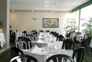 Landings Restaurant & Lounge