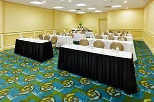 Suites/3 Meeting Rooms