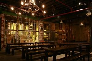 Greenpoint Beer & Ale Craft Brewery and Kitchen
