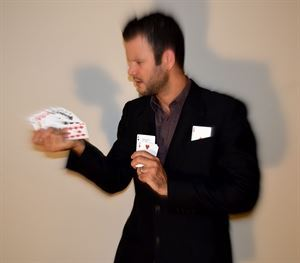 Alan Q, Magician