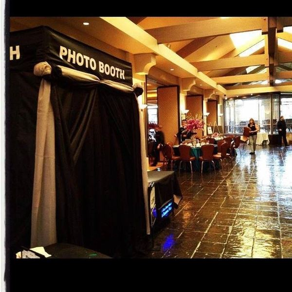 HIGH DESERT PHOTO BOOTH