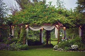 artistreEscapes Island Garden Venue
