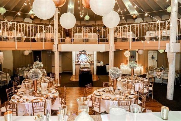 The Barn - Holiday Inn Alexandria