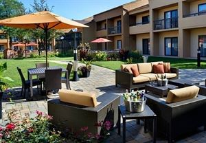 Courtyard Chicago Naperville