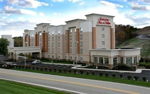 Hampton Inn & Suites Pittsburgh Meadow Lands