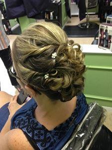 Wendi Scianna - Hairstylist