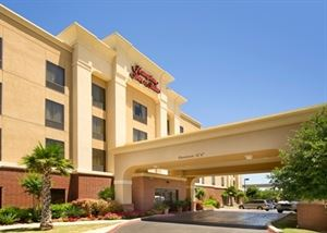 Hampton Inn & Suites San Antonio-Airport
