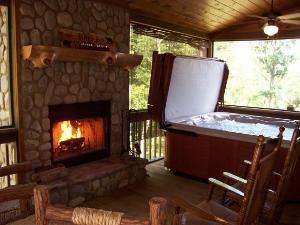 Vacation Rental - Upscale Blue Ridge Mountain Cabin