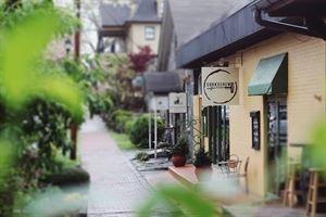 Corkscrew Café