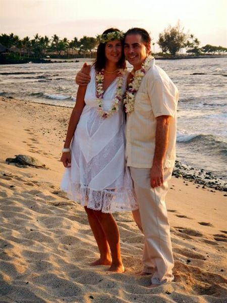 Leis, Rings, and Alohas