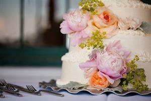 Aurora Provisions Wedding Cakes