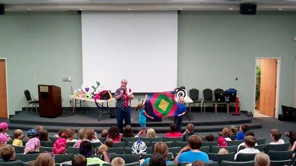 Uncle Sam's Magic & Balloon Show