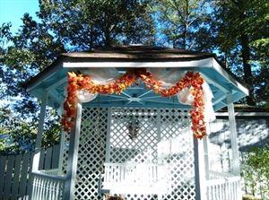 A Little Wedding Garden