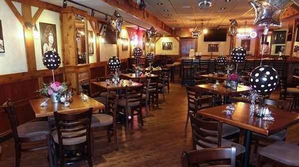 Gino's East -- Rosemont