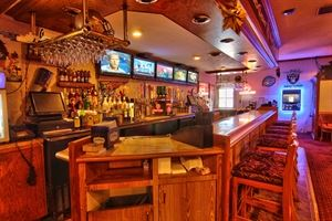 Shooters Pub & Grill