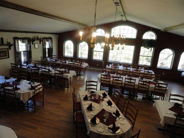 Christines Creekside Inn