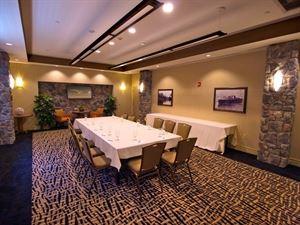 1000 Island Harbor Hotel