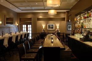 Kinzie Bar