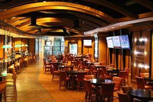 DeLeon Platinum Lounge