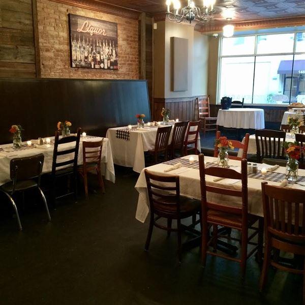 8407 Kitchen Bar: Deagan's Kitchen & Bar