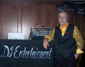 Karaoke DJ Entertainment