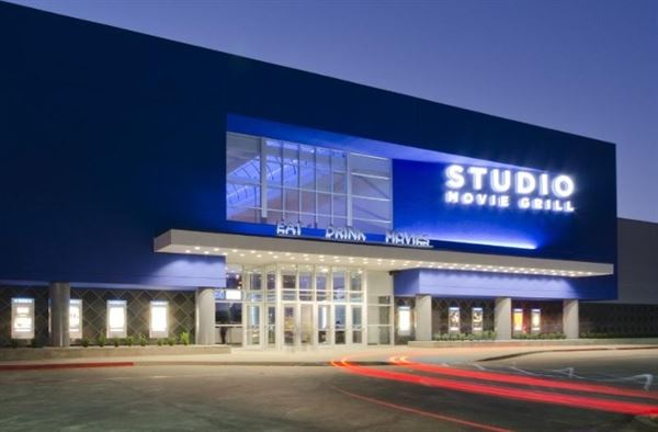 Studio Movie Grill - Simi Valley