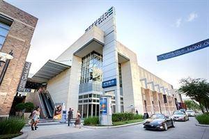 Studio Movie Grill - City Centre