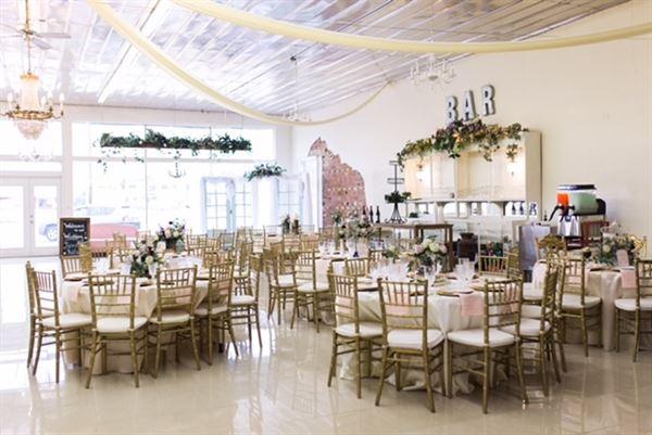 Le chateau venue lubbock tx wedding venue for Wedding venues lubbock tx