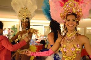 Show Tropical Paradise Extravaganza