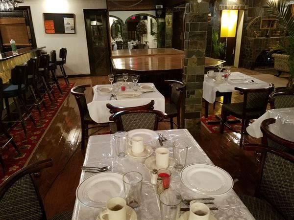 The 901 Lounge At Lochiel Hotel