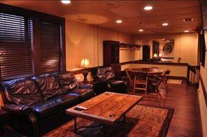 Banker's Lounge