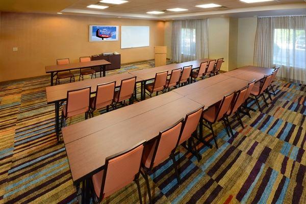 Fairfield Inn & Suites Roanoke Hollins/I-81