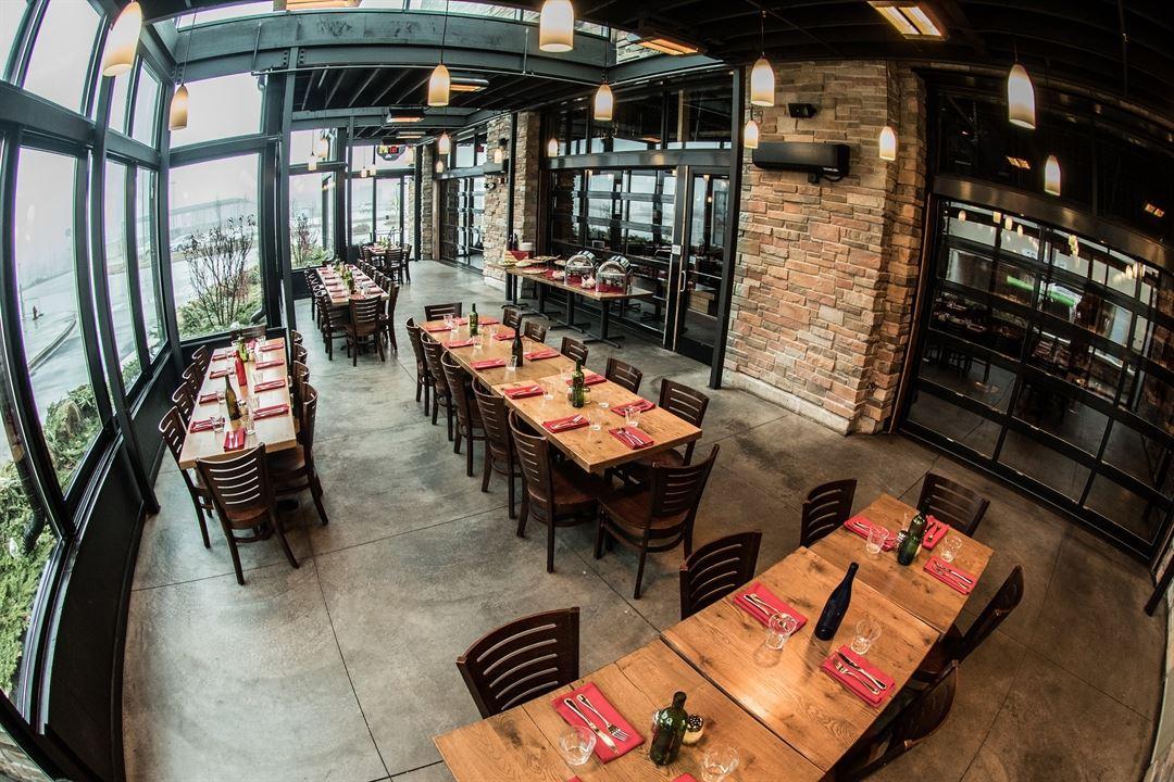 Pizza Man Wine Bar Kitchen Milwaukee Wi Party Venue