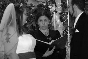 Kathy, officiant