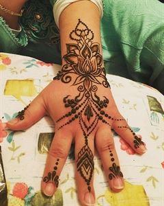 Maple Henna Tattoos Art
